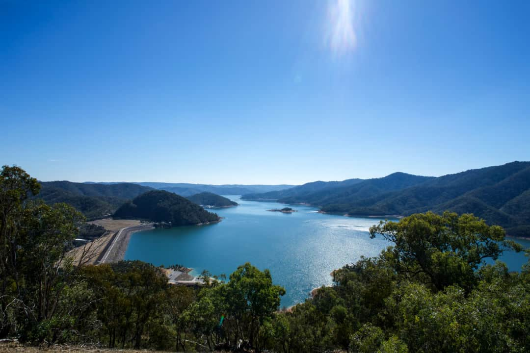 Lake-Eildon-from-Mt-Pinniger