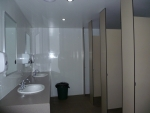 Lake_Eildon_Houseboat_camping_TB3_Bathroom_2.JPG