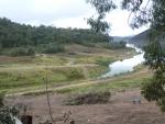 Lake_Eildon_Houseboat_camping_lake_level.JPG